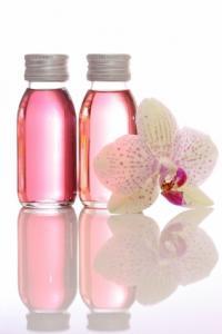 tipy Esenciální oleje pro výrobu vlastních účinných pleťových sér