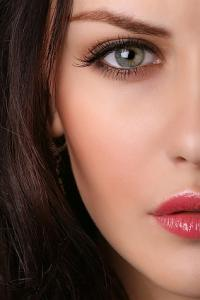 tipy Podkladový make-up, růž na tváře, pudr...